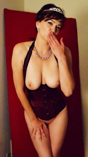 Diolinda mature escorts in Post Falls